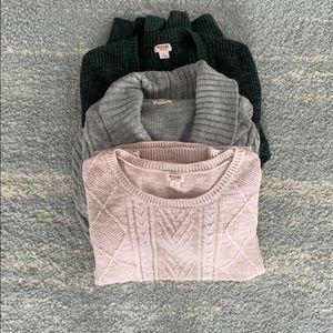 Bundle 3 fall sweaters 🍂